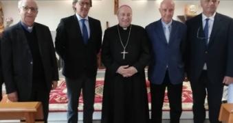 /sito/it/stampa/galleria-foto/pasqua,-il-vescovo-marciante-al-giglio.html