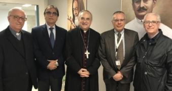 /sito/it/stampa/galleria-foto/pasqua-il-vescovo-manzella-al-giglio
